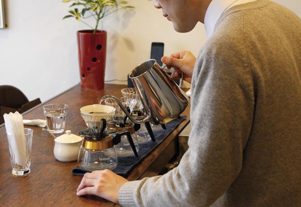 コーヒー入れ作業イメ